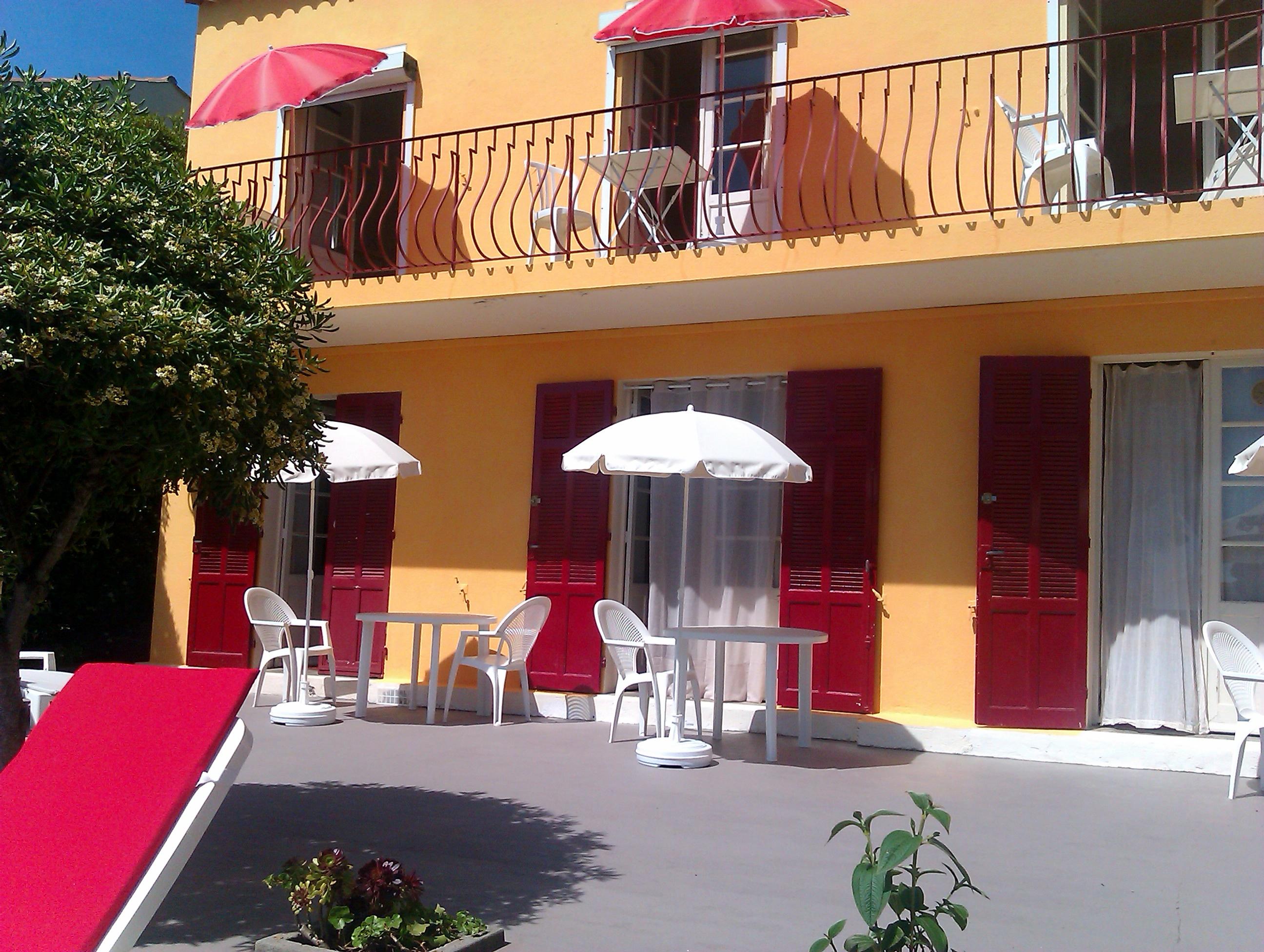 http://www.nat-appart.racv.fr/clientadmin/uploads/22081906161851531302012-terrasse_03.jpg